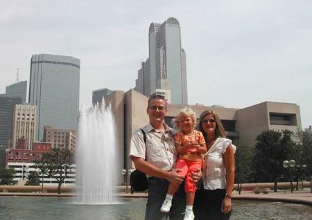 Giacomo, Giada e Mary - sullo sfondo la Galleria e Downtown